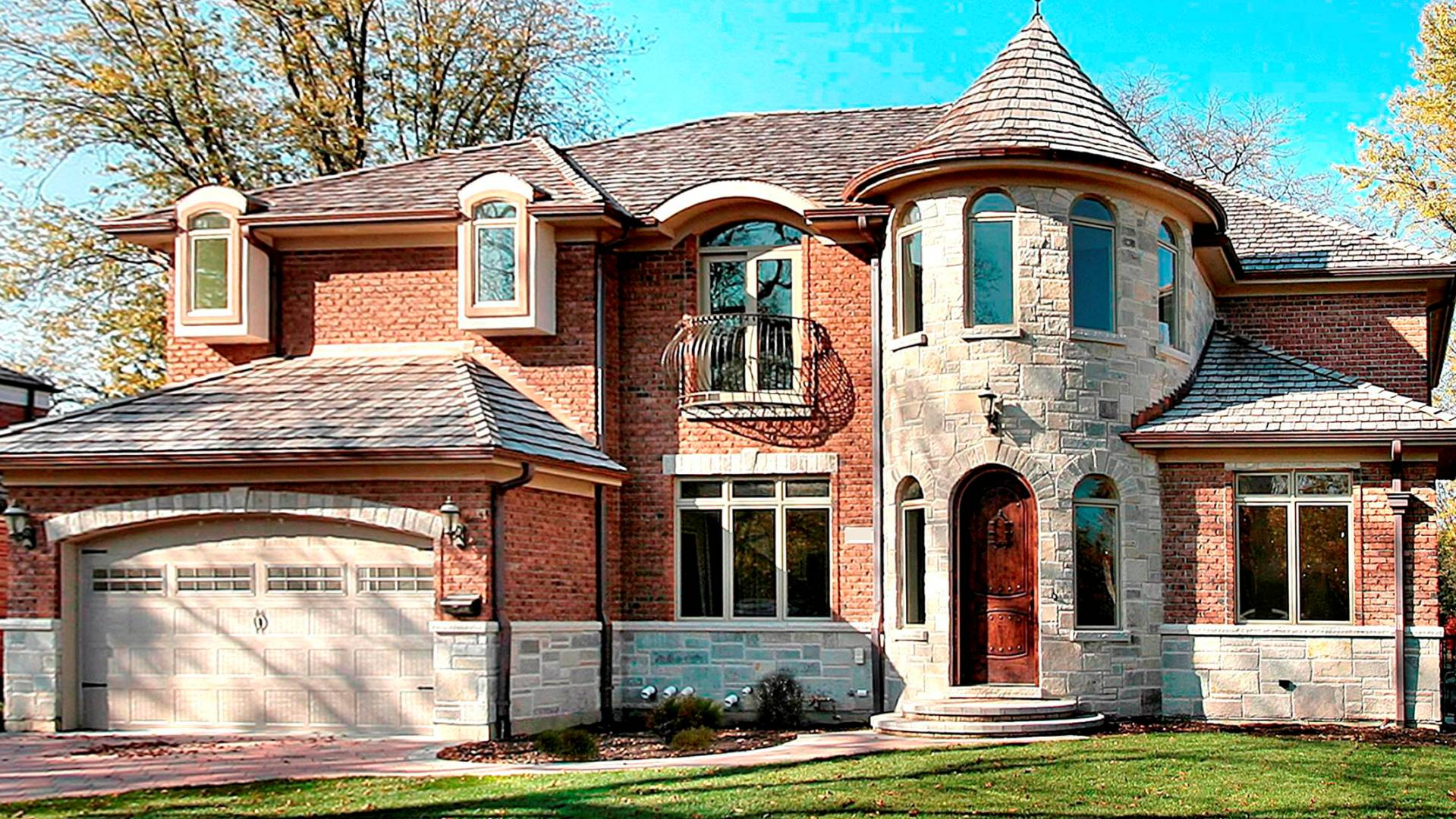 Surrey Ln House in Glenview by Greenleaf Developers - front view
